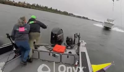 Ribari u posljednjem trenutku iskočili iz broda prije sudara sa gliserom