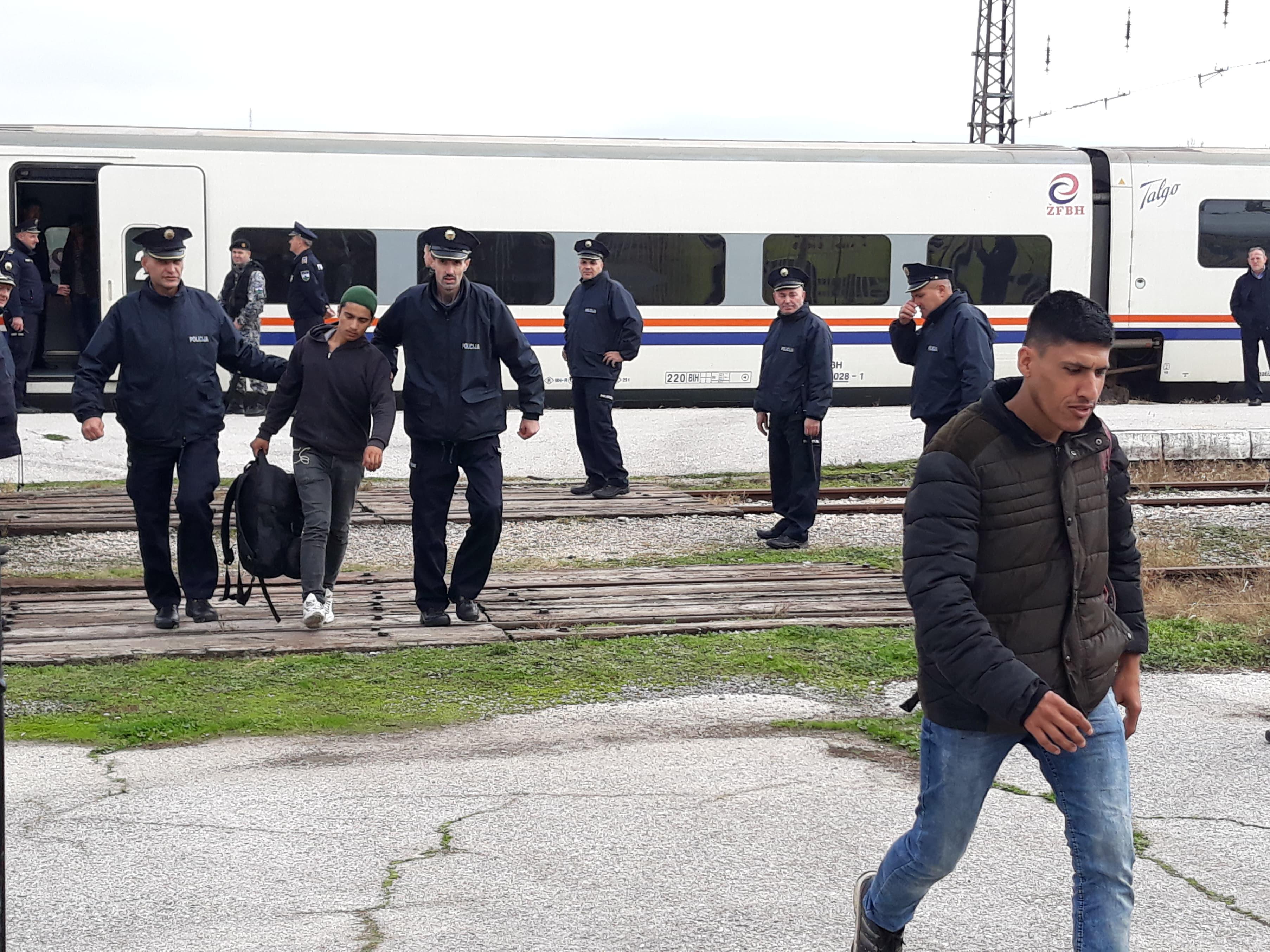 Još jedna grupa migranata sa željezničke stanice u Bihaću vraćena nazad za Sarajevo