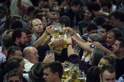 Oktoberfest ugostio 6,2 miliona posjetilaca, popili 7,5 miliona litara piva