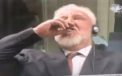 Slobodan Praljak popio bočicu otrova nakon izricanja presude