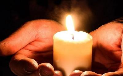 Zagreb: Paljenje svijeća za žrtve zločina počinjenih u BiH