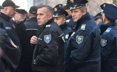 U 12 sati protest policajaca pred Vladom FBiH