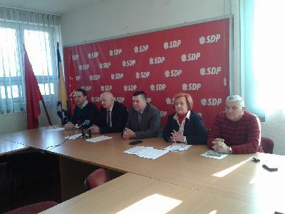 Poslanici SDP-a USK u oba doma Parlamenta FBiH, nezadovoljni odnosom prema USK