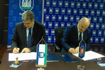 Gradonačelnici Gospića i Bihaća potpisali Povelju o prijateljstvu i saradnji