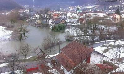 Voda se povlači iz poplavljenih područja