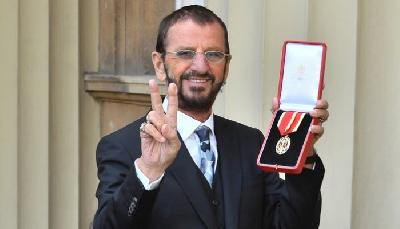 Ringo Starr odlikovan redom viteza za svoj doprinos muzici