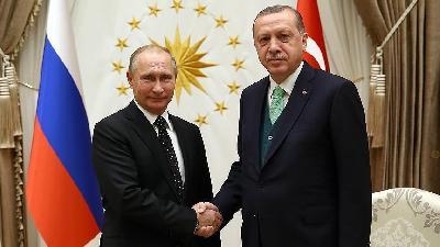 Erdogan i Putin posvećeni razvoju bilateralnih odnosa na svim poljima