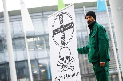 Nakon preuzimanja Bayer gasi ime zloglasne firme Monsanto