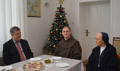 Gradonačelnik posjetio župnika Tomića i sestru Blanku