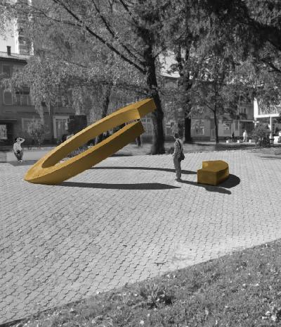 Pitanje javnog prostora i spomeničke plastike