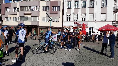 Iz Bihaća put Srebrenice krenuli biciklisti i maratonci