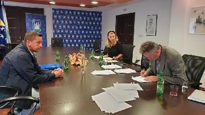 Potpisan ugovor o sufinanciranju nabavke plastenika u Bihaću