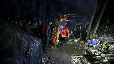 Improvizovani migrantski kampovi na području USK i dalje su aktuelni